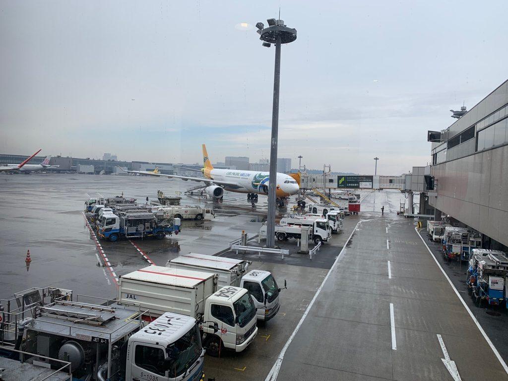冬の成田空港